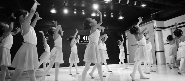 少儿芭蕾舞《可爱的雨点儿》舞蹈教学