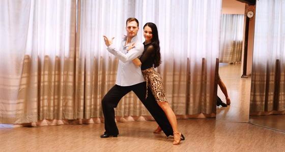 阿宝和阿泰-拉丁舞「伦巴步练习」